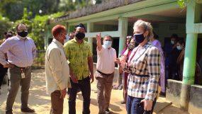যুক্তরাষ্ট্র দূতাবাসের ডেপুটি চিফ ওয়াগনার মকবুল আলী টিকা কেন্দ্র পরিদর্শন করেছেন